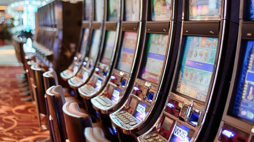 Are the slots in bingo halls mugging people?